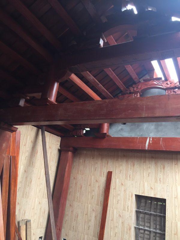 phun thuốc phòng mối các cấu kiện gỗ của đình làng